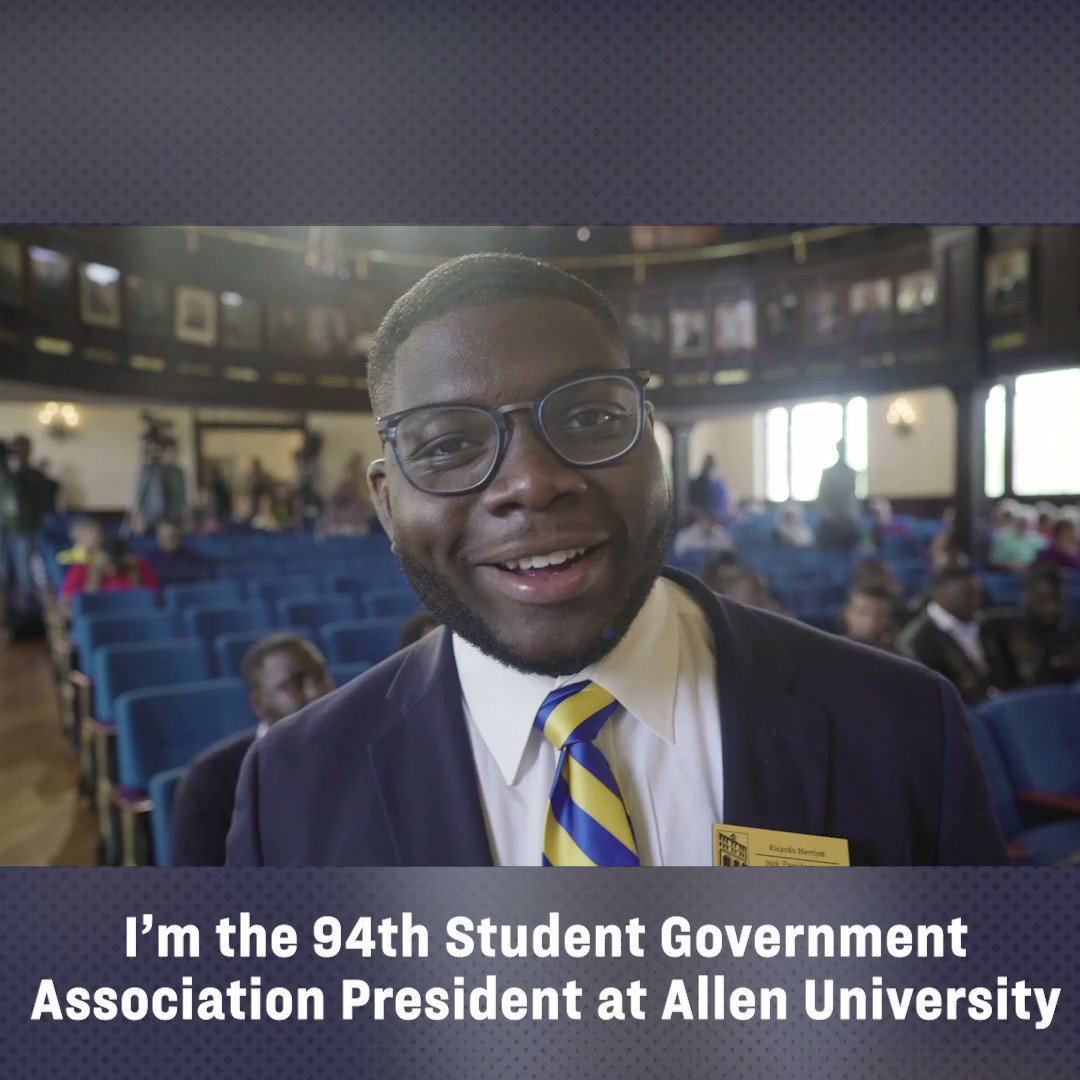 It was great meeting Ricardo at @AllenUniv in South Carolina yesterday. I'm grateful that young people like him are in this fight all the way to cancel debt for 95% of Americans and make public colleges free.