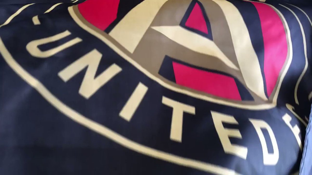 🔴⚫️ Flag Giveaway 🔴⚫️  RT for a chance to win this team-signed #ATLUTD Flag