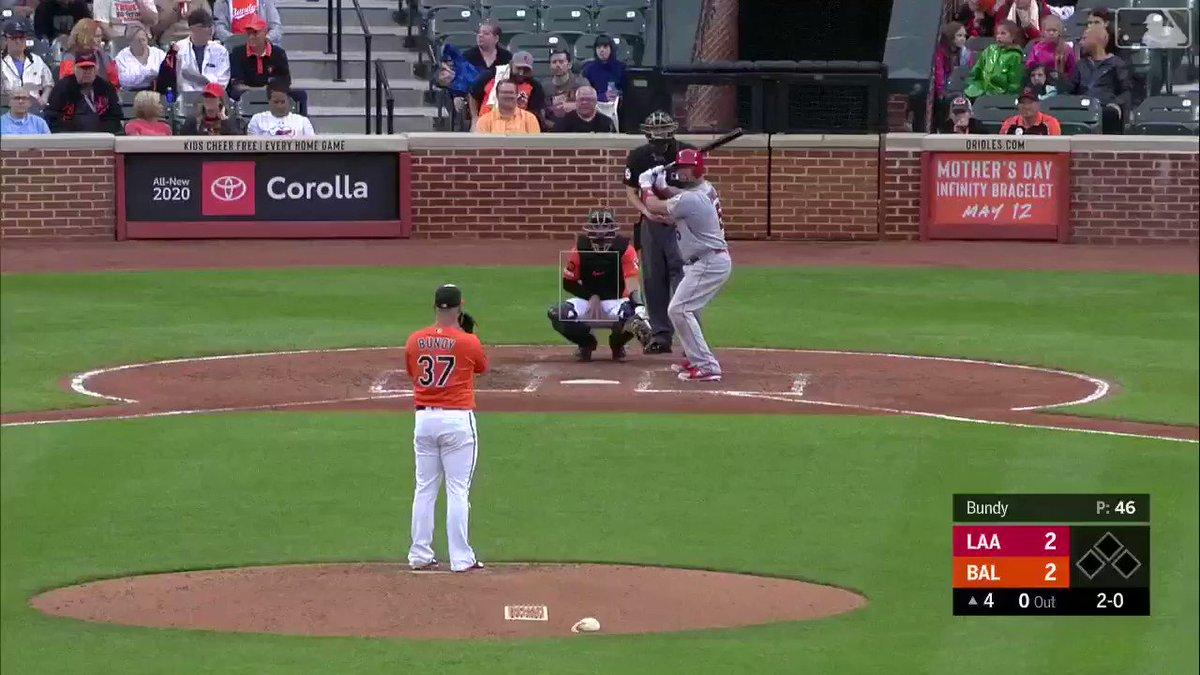 2 at-bats, 2 homers. He's a #MLBTwitterHitter Machine.