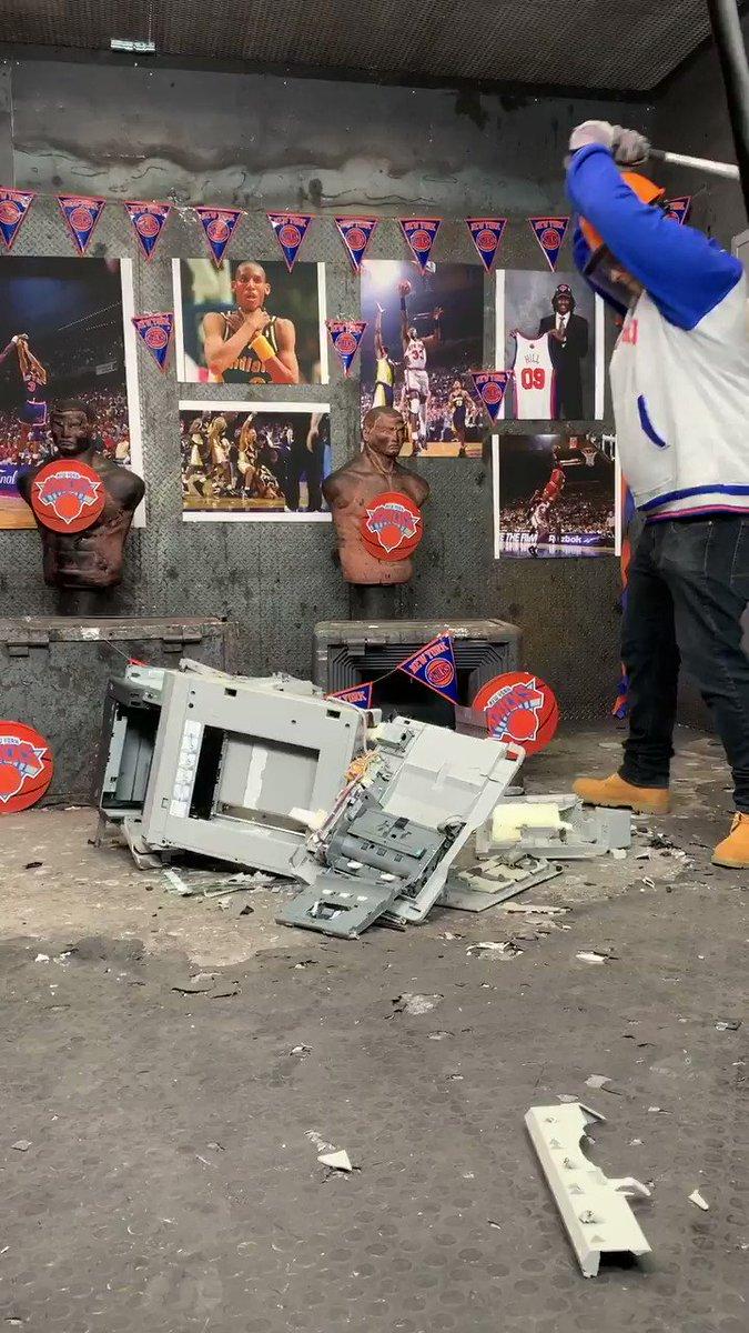 Zona Morta's photo on Grizzlies