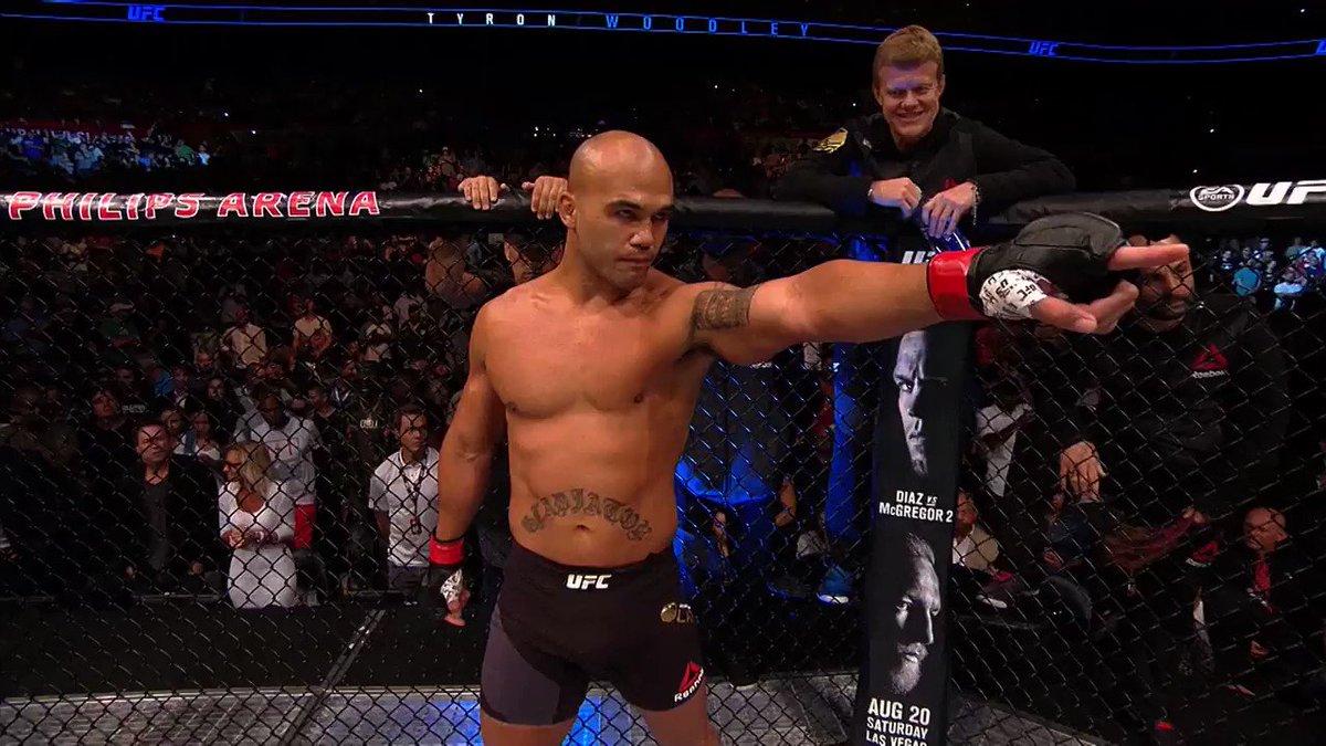 What a main event!  @TWooodley vs @Ruthless_RL 2️⃣  #UFCMinneapolis ➡️ http://bit.ly/2VHBxEG  ⬅️