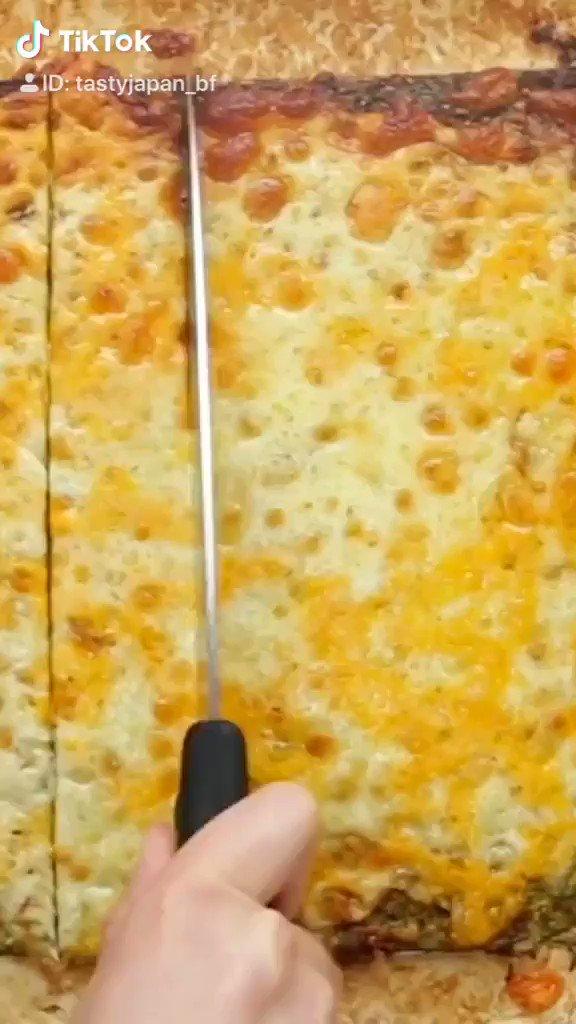 たまには、ピザをお腹いっぱい食べたい🍕TikTokでも動画を配信中です🎶🤩