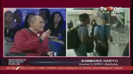 Bambang Haryo: Yang paling penting diperhatikan oleh pemerintah adalah keseimbangan supplay and demand.Dapatkan berita lain hanya di tvOne connect, android http://bit.ly/2CMmL5z  & ios http://apple.co/2Q00Mfc #tvOneNews