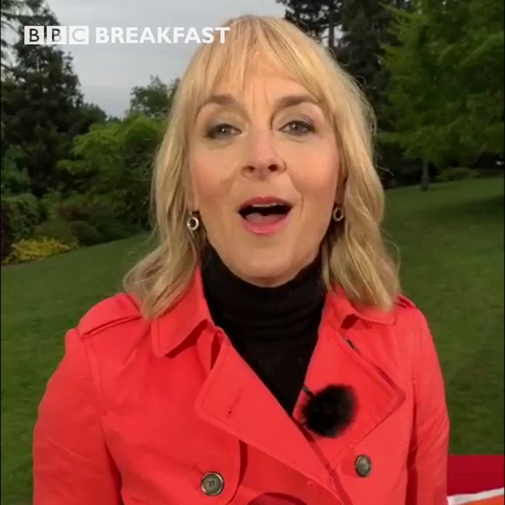 🙌 @louiseminchin is giving us that #FridayFeeling as we talk about how to have a happier, healthier #menopause   #BBCMenopause