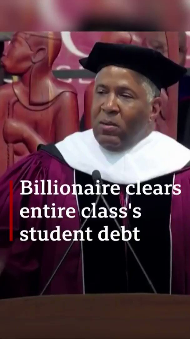 This is the moment a group of US graduates were left stunned as philanthropist Robert F. Smith announced he will pay off their student loans.  😮👏🎓