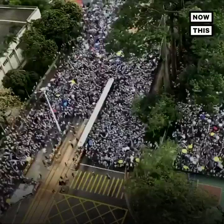 More than 1 million people took to the streets of Hong Kong to protest a law that could allow suspected criminals to be sent to mainland China https://t.co/2uviM63blh