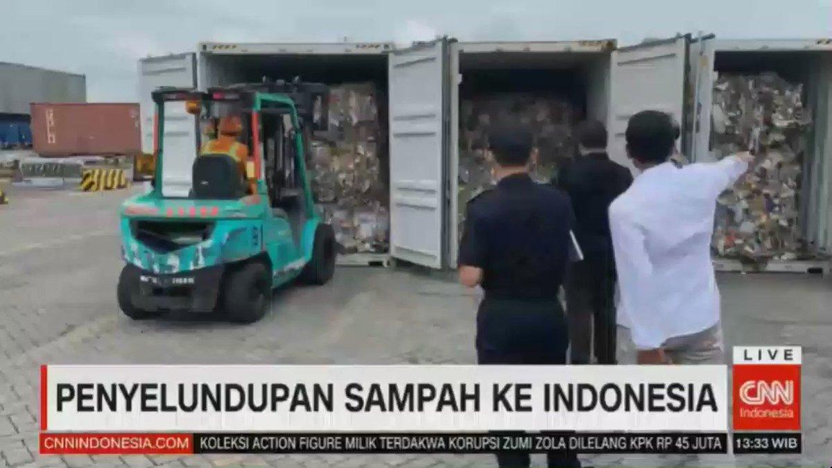 Februari 2019, Kantor Bea Cukai Tanjung Perak, Surabaya mengamankan 4 kontainer asal Kanada yang menyelundupkan sampah ke Indonesia. Namun, sampah lainnya terlanjur menumpuk dan tersebar sedikitnya di tiga kabupaten di Jawa Timur.  #CNNIDNewsReport http://cnnindonesia.com/tv
