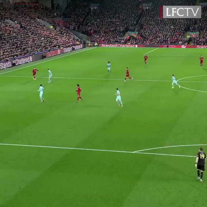 No look 🚫👀 Sensational slalom 💫 Clinical penalty ⚽️  Bobby's hat-trick against Arsenal had it all. 👌 https://t.co/M43qoXn0u7