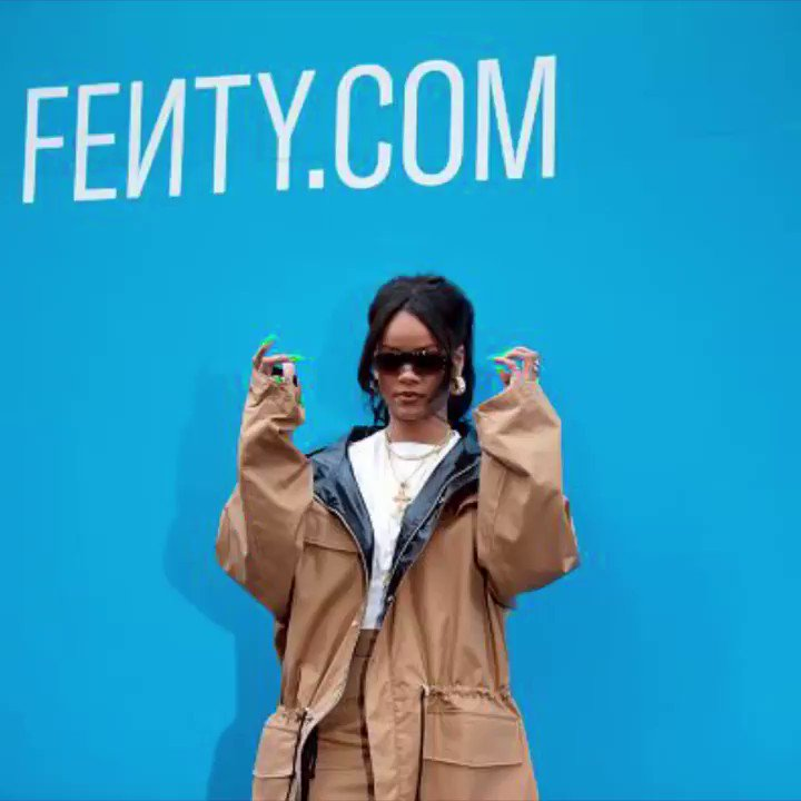 Rihanna stole the spotlight at her NYC Fenty pop-up opening 💕