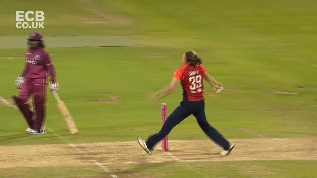 .@Sarah_Taylor30 doesn't miss a trick 👀🏏England are on the brink of a 14th straight win in all formatsMatch centre: http://ms.spr.ly/6018TKZK4   #EngvWI