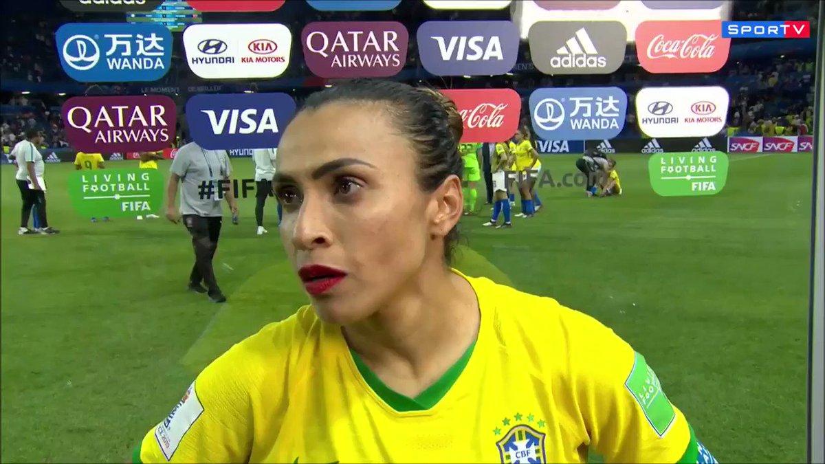 """""""Eu queria estar sorrindo aqui. Ou até chorando de alegria..."""": veja o discurso emocionante de Marta após a eliminação do Brasil da Copa do Mundo feminina"""
