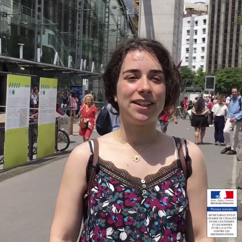 [#Canicule] Si je suis en tenue d'été, c'est parce que :  🅰️  Je souhaite que des inconnus me harcèlent et se collent à moi dans les transports en commun ?  🅱️C'est l'été  👇
