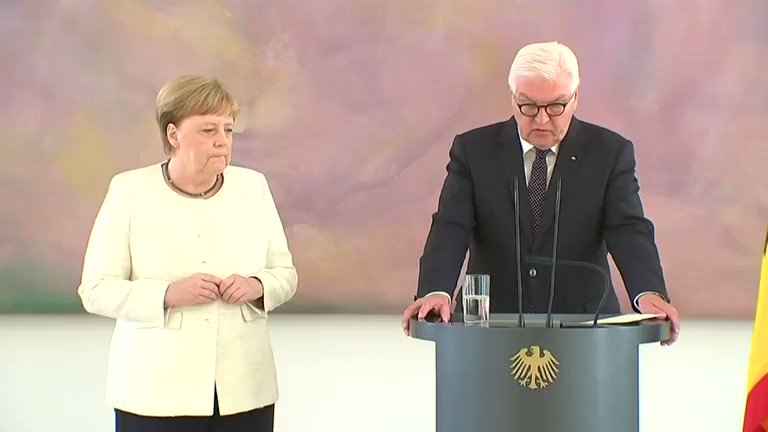 Image for the Tweet beginning: Germany's Angela Merkel seen shaking
