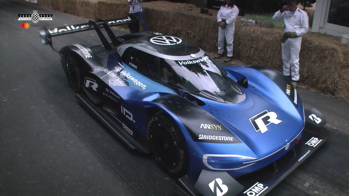 Gone in 4⃣1⃣▪️1⃣8⃣ seconds   📢#FOS's 20-year hillclimb record has fallen!  Will we see cars go even faster in the shootout?  Sky F1 on air from 2pm on Sunday…