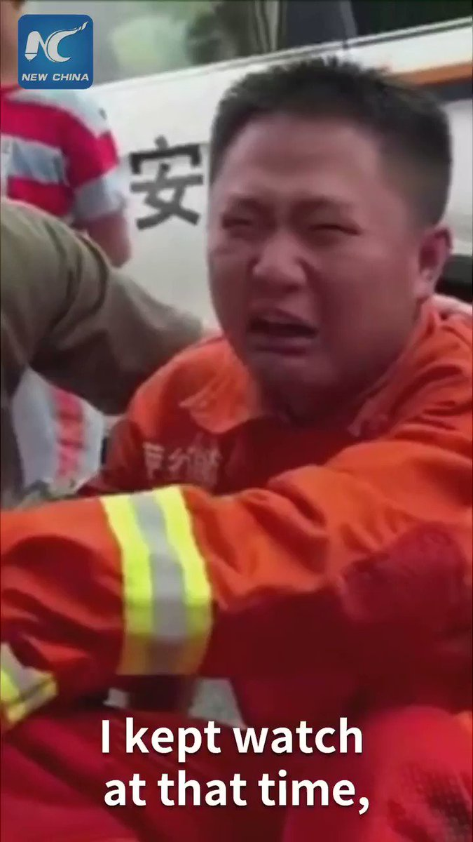 Emotional moment: Young Chinese rescuer cried his eyes out after saving people from flood. click to find out why.
