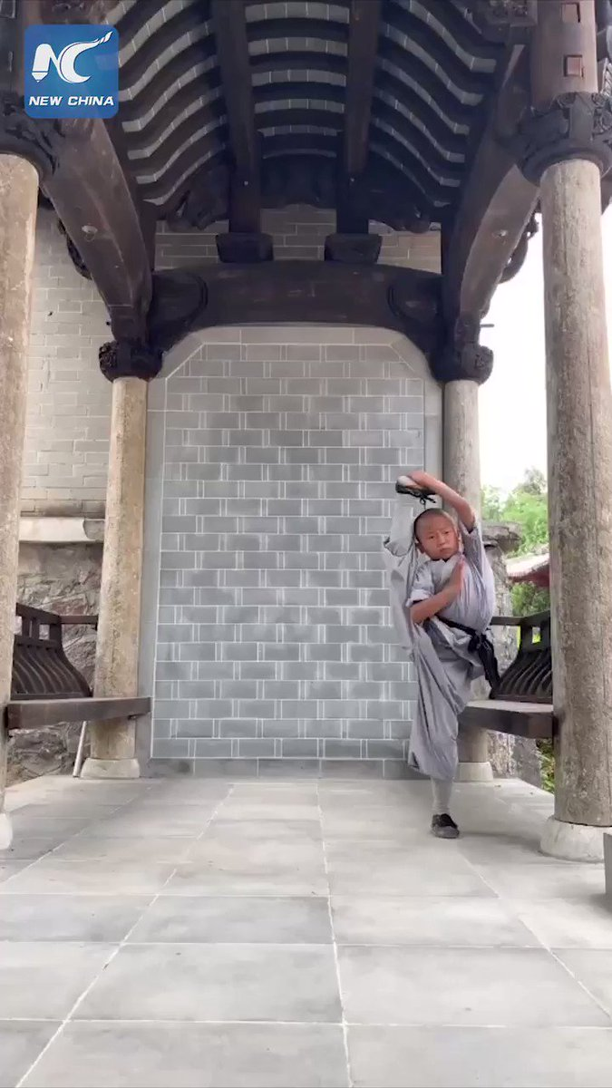 Stunning #KungFu: 6-year-old boy displays jaw-dropping flexibility at Shaolin Temple in Henan, China