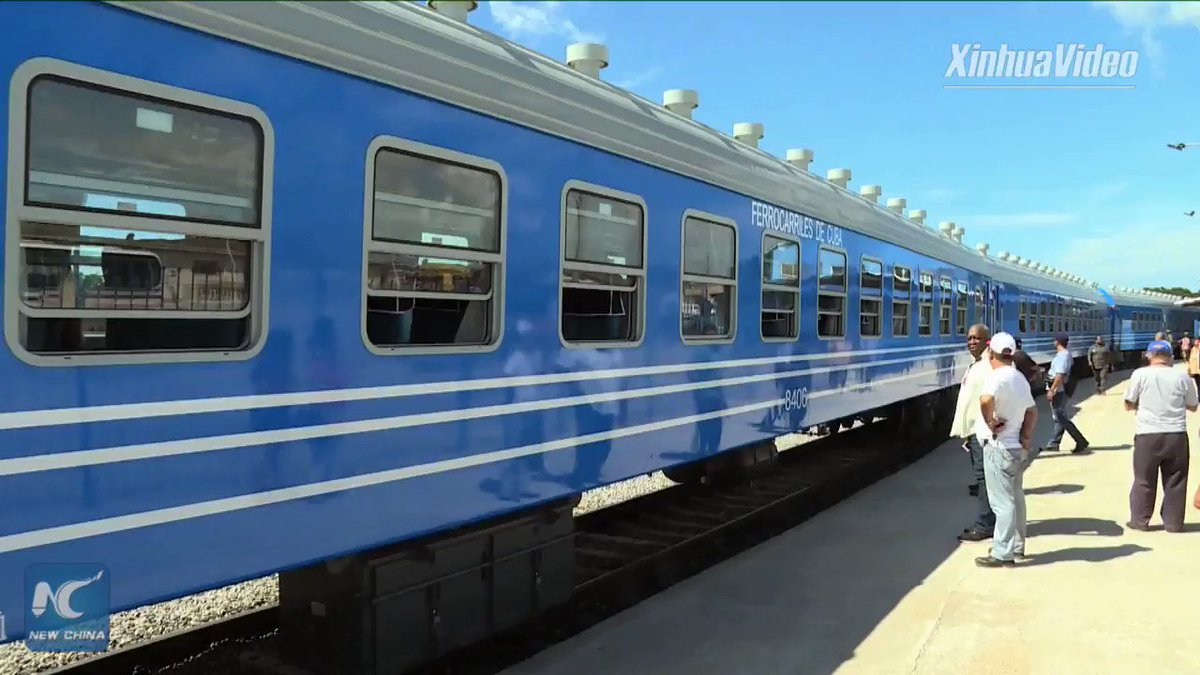 The first train made up entirely by Chinese carriages on Saturday rolled forward in Cuba. It is the first time in 44 years that Cuba has had new railroad cars