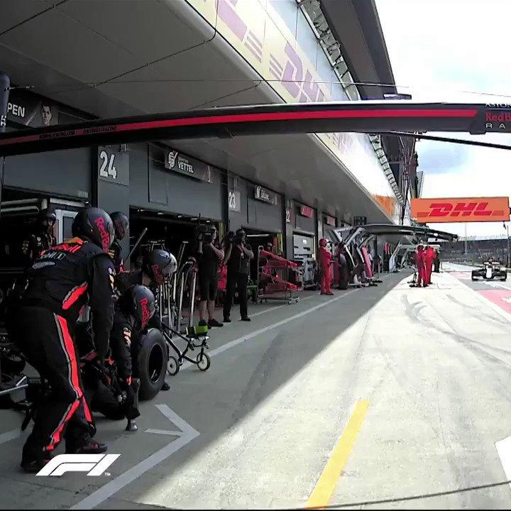⏱🔥 1.91s  ➡ http://bit.ly/Red-Bull-Pit ⚡ Cambio gomme flash per @redbullracing ✅ Ed è un nuovo record in F1  #SkyMotori #Formula1 #BritishGP