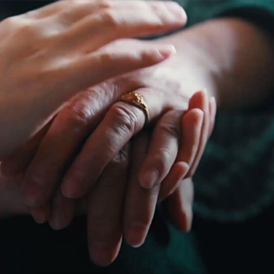 La enfermedad de Alzheimer es una enfermedad irreversible y progresiva del cerebro. Te contamos algunas cosas que deberías saber sobre el Alzheimer. https://bit.ly/2pthCrp
