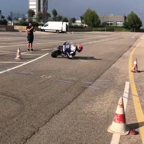 """✍🏻 """"Qualcuno ha detto vacanze❓ 😂 Sto facendo più giri di un orologio"""" 📽 @TitoRabat #SkyMotori #MotoGP"""
