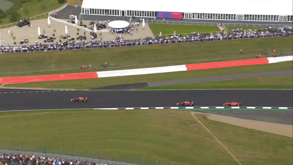 🔙 Dopo l'episodio in Austria 😈 @Charles_Leclerc restituisce il favore 🏎 a @Max33Verstappen al #BritishGP  📽 Rivediamo il sorpasso del monegasco #SkyMotori #F1 #Formula1
