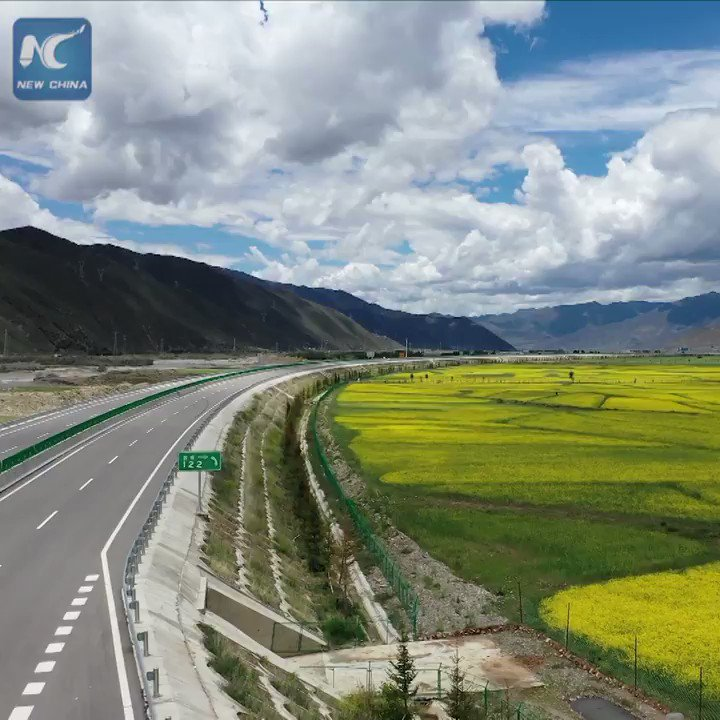 Scenic drive! Breathtaking aerial view of the Lhasa-Nyingchi highway in SW China's #Tibet