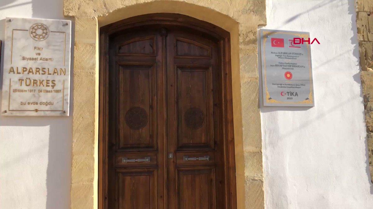 MHP kurucusu Alparslan Türkeş'in, doğduğu ve 8 yaşına kadar yaşadığı Lefkoşa'daki evi Cumhurbaşkanı Recep Tayyip Erdoğan'ın talimatlarıyla müze haline getirildi.  https://www.yenisafak.com/video-galeri/gundem/alparslan-turkesin-evi-muzeye-donustu-2196222…