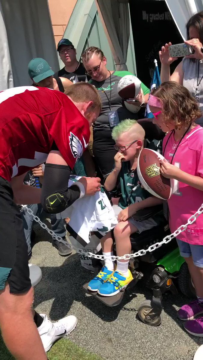 Not all heroes wear capes ❤️ (via @Eagles)