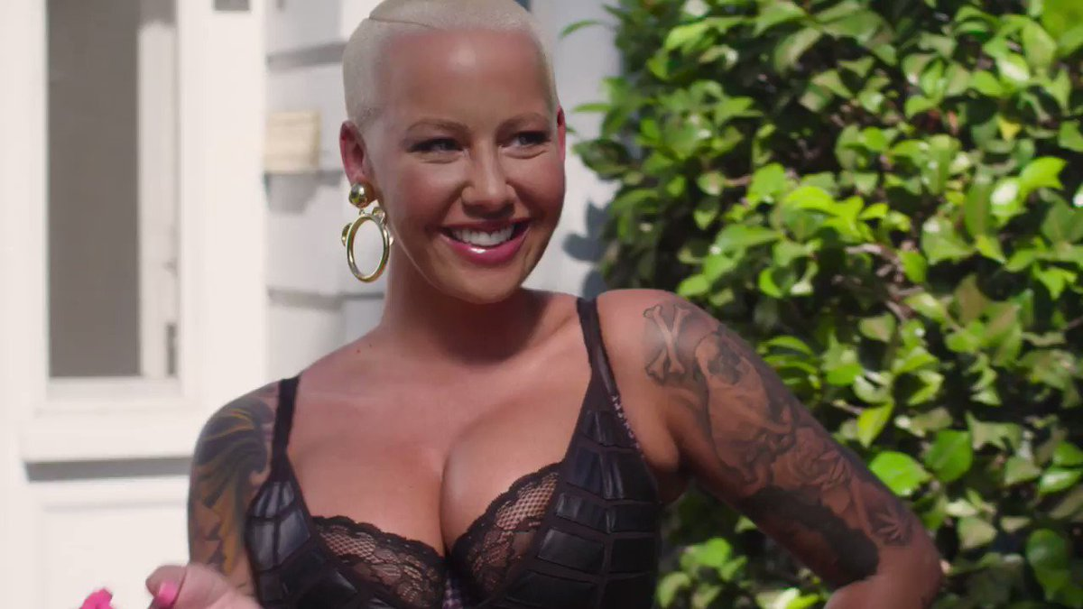 This is the walk of no shame with @DaRealAmberRose