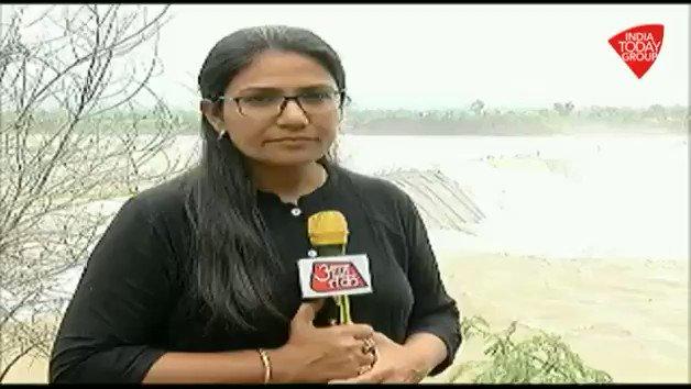 मध्यप्रदेश ओर महाराष्ट्र में हुई भारी बारिश की वजह से नर्मदा नदी उफान पर है, सरदार सरोवर बांध से छोड़ा जा रहा पानी गरूदेश्वर बांध से ओवरफ्लो हो रहा है देखिए @gopimaniar की रिपोर्ट। #ReporterDiary अन्य वीडियो:  http://bit.ly/IndiaTodaySocial…