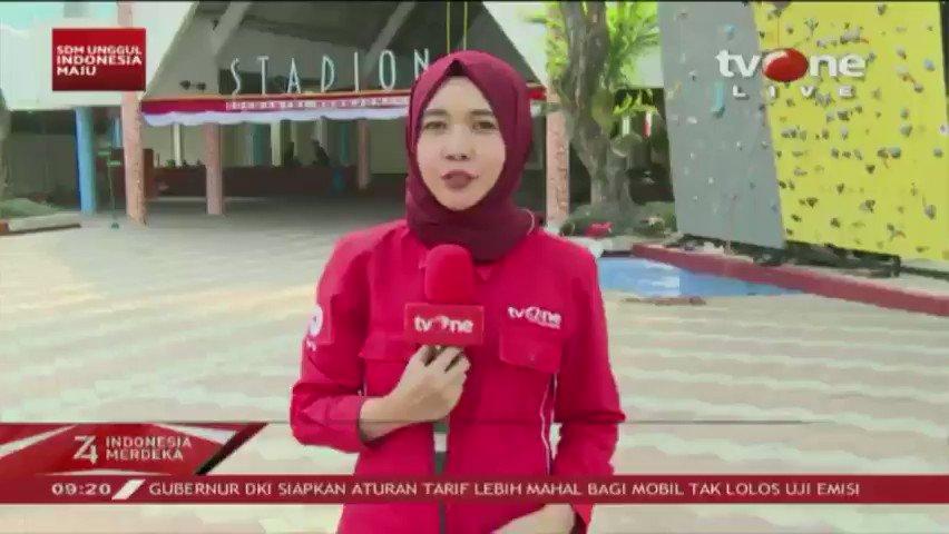 HUT RI ke-74, Grup Usaha Bakrie melaksanakan upacara di Gor Soemantri Brodjonegoro di Kuningan, Jakarta. Abdurizal Bakrie berpesan jangan sampai diri kita maupun negara kita terjajah dalam bentuk apapun. Selengkapnya di tvOne connect, http://bit.ly/2EMxVdm. #tvOneNews