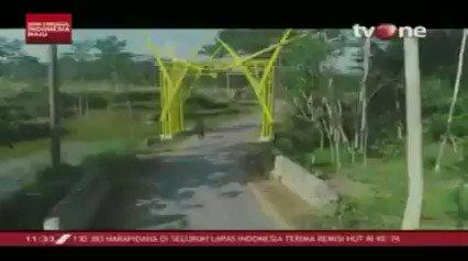 Dusun Bulak Salak, Desa Wukirsari Sleman Yogyakarta yang memiliki potensi wisata berbasis edukasi yang dibiayai oleh anggaran dana desa. Download tvOne connect untuk update berita harian Anda, android http://bit.ly/2EMxVdm & ios http://apple.co/2CPK6U3. #tvOneNews