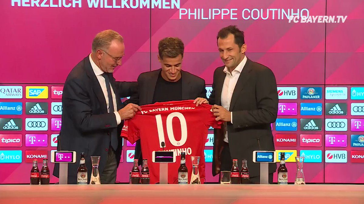 #ICYMI- the unveiling of our new No. 🔟 at the Allianz Arena. 🙌 #ServusCoutinho