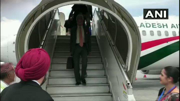 #WATCH Nepal: External Affairs Minister Dr S Jaishankar arrived today at Tribhuvan International Airport, Kathmandu for 5th Joint Commission Meeting. Foreign Secretary of Nepal Shankar Das Bairagi and Ambassador of Nepal to India Nilamber Acharya welcomed him.