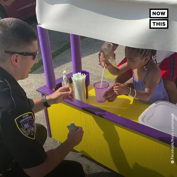 Remember that white kid who made a lemonade stand to donate the funds to trumps wall, went viral and got on national television? Well, how about we have the same energy for 3-yo Ava Lewis who is selling lemonade to buy diapers for moms in need?