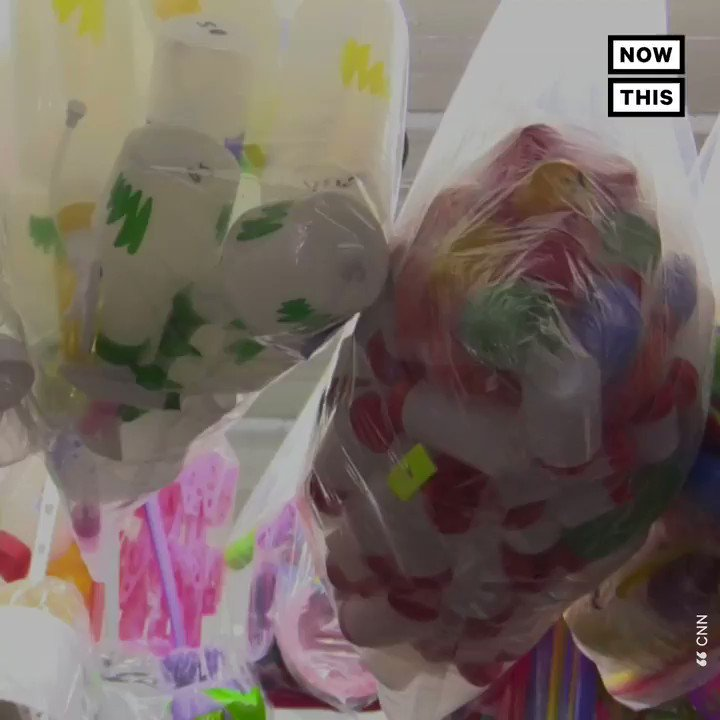 #BeatPlasticPollution Nepal banned single-use plastics from the Everest region after officials cleared nearly 25,000 pounds of trash from Mt. Everest @unplasticday   @NungshiTashi @ineeshadvs @RandeepHooda @SinghalSailesh @ParveenKaswan @KulikovUNIATF   https://t.co/fhEkGhz2Zq