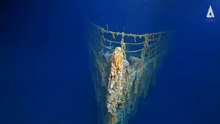 RT @Reuters: First images of the ill-fated Titanic after 14 years in complete darkness https://t.co/M2sREVNc1z