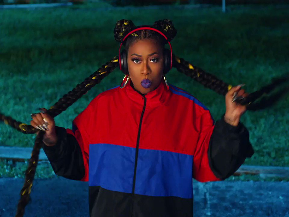 .@missyelliott's #THROWITBACK video is OUT! 🔥🙌🏾missyelliott.lnk.to/ThrowItBackVid…
