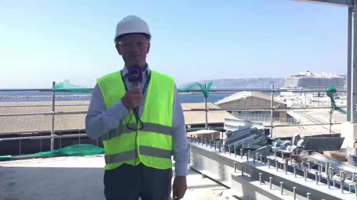 """Pour fonctionner, internet a besoin d'infrastructures colossales. Et Marseille est devenue un carrefour incontournable de nos données.A découvrir notamment grâce au """"Grand Reportage"""" de @MaximeTellier à 17h ce vendredi, dans les coulisses de cette gigantesque tuyauterie ! 📻📲💻"""
