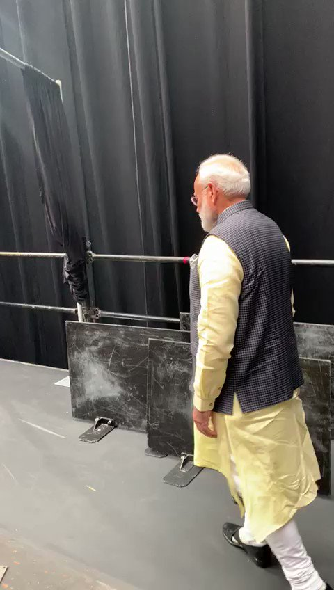 Thank you Houston for such amazing affection! #HowdyModi