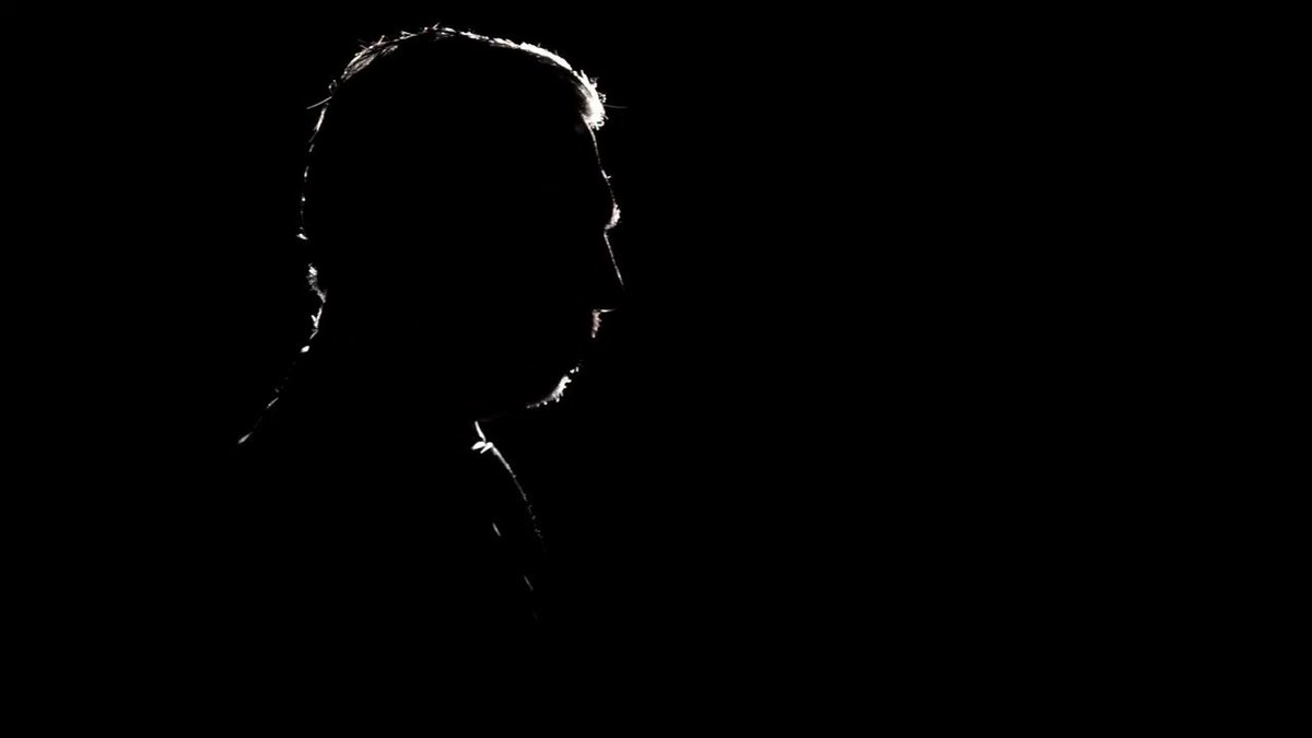 ▶ AVANCE | - ¿Usted no le debe nada al Presidente AMLO? Entrevista a Alejandro Rojas (@rojasdiazduran), aspirante a dirigir #Morena en #Tragaluz (@TragaluzenTV) con Fernando del Collado (@fdelcollado) http://mile.io/2pf3fdeLunes 20:45 horas por @mileniotv