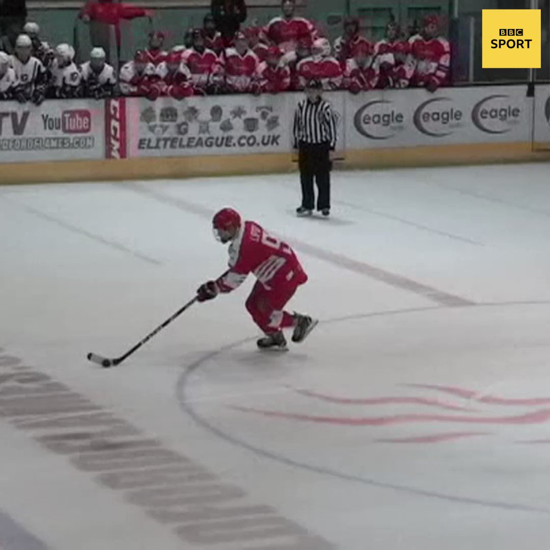 Just Petr Cech winning a penalty shoot-out on his Ice Hockey debut. Hes still got it!