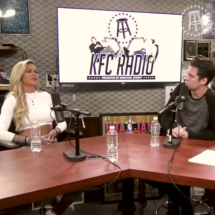 We shouldve known @MissJessaRhodes was a snake girl, but the OTHER pet she used to have???? kfcradio.com/listen