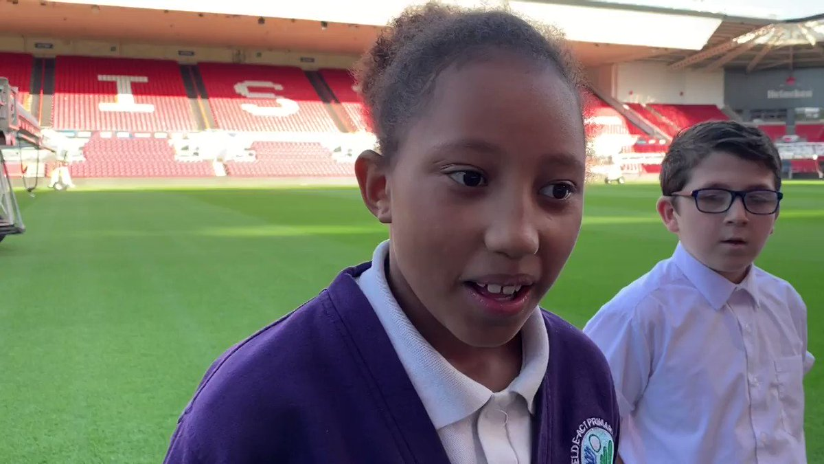 🎥 As part of #BlackHistoryMonth, @RobinsFound welcomed local students from the #PLPrimaryStars programme to discuss the importance of diversity with #BristolCity and @bristolcitywfc players. 💪