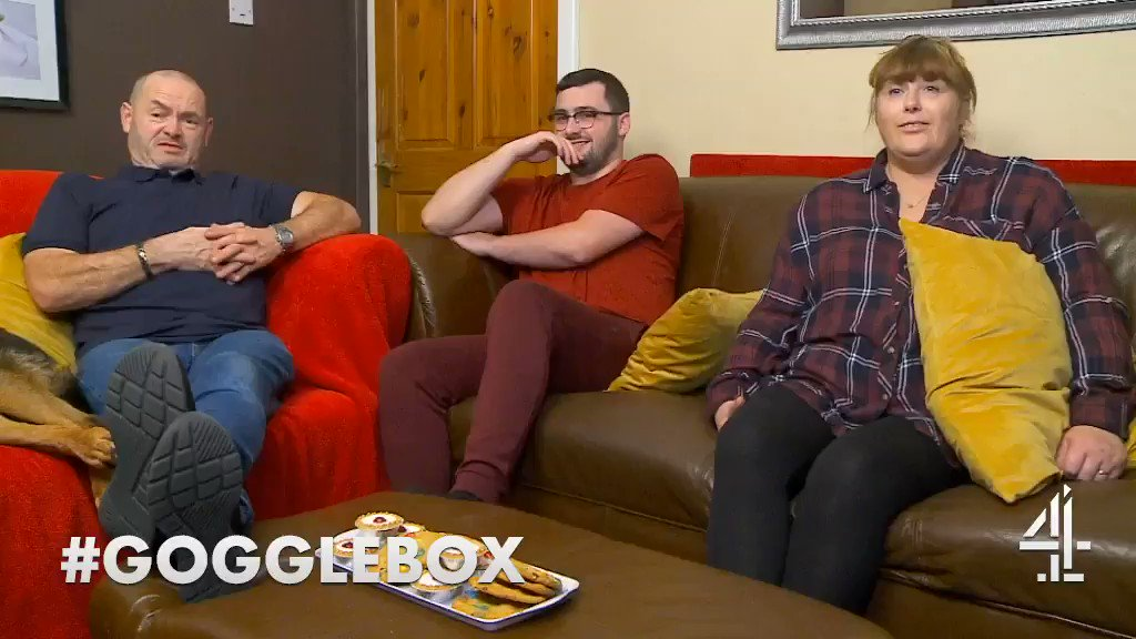 Watch and learn… @TheMalonesGB #LesbianGuideToStraightSex #Gogglebox
