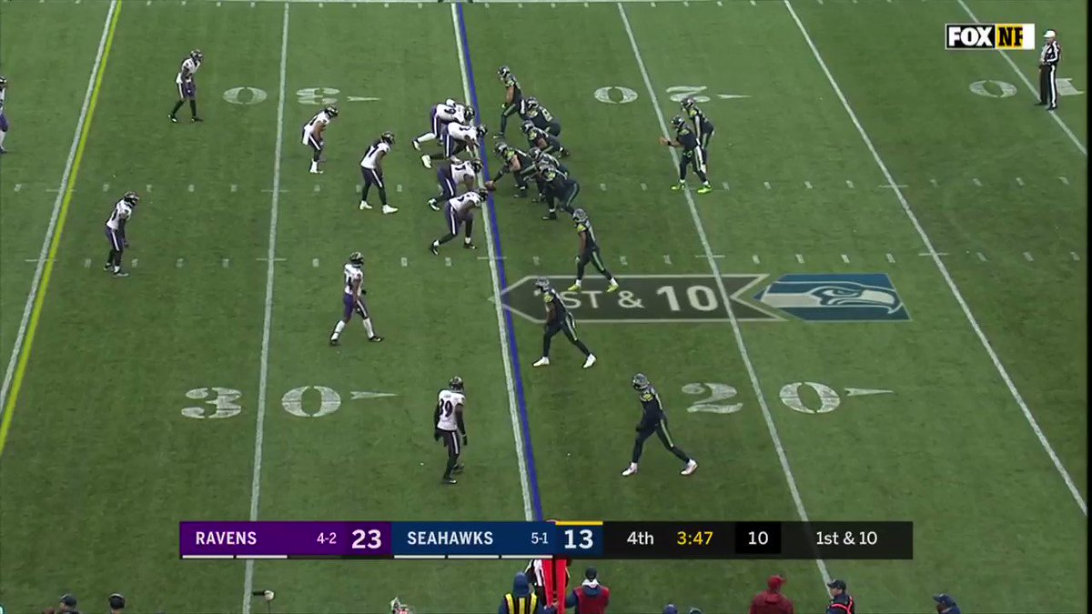 HOW did he stay in bounds on the scoop and score!? 🤯 (via @Ravens)