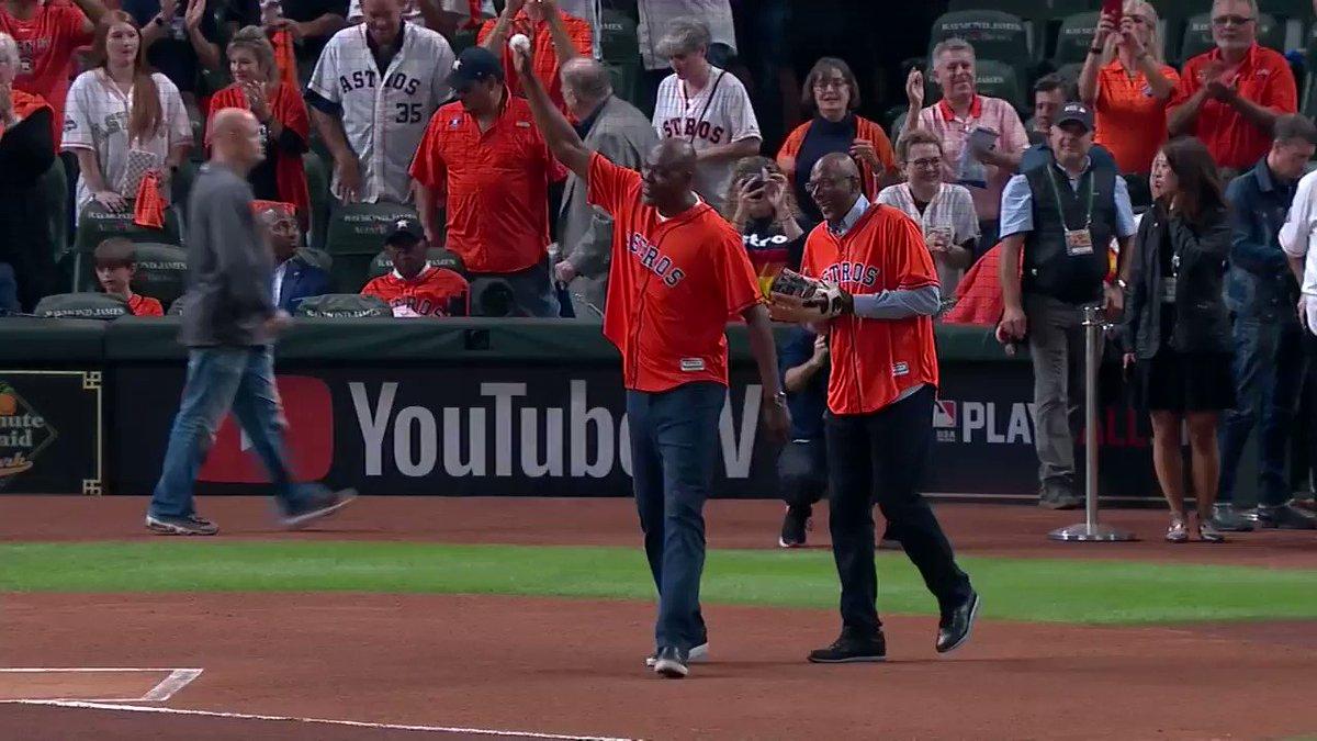 @NBA @HoustonRockets Legends Clyde Drexler & Hakeem Olajuwon (@DR34M) get Game 6 of the @MLB #WorldSeries started at Minute Maid Park. #LegendsofBasketball
