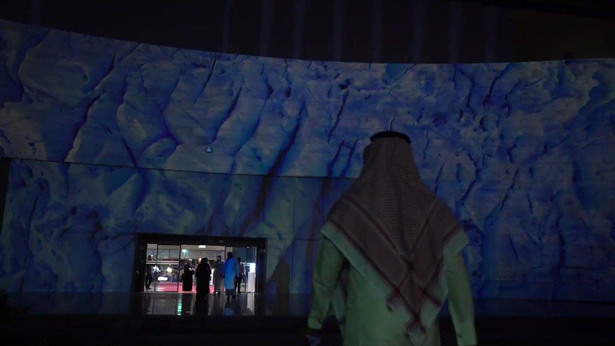 في المتحف الوطني بالرياض، موعدٌ جديد مع الحوار الفني والثقافي؛ يصحبنا فيه نخبة من فناني العالم يقدمون أعمالهم الإبداعية في المتحف الوطني.#البينالي_العالمي_للفن_المعاصر#بينالسور_الرياض