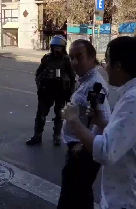 🔘 El periodista fue por lana y volvió trasquilado. 😁😁😁      Excelente respuesta del sr.‼️      #GarantiasParaMilitares      #acuerdoporlapaz