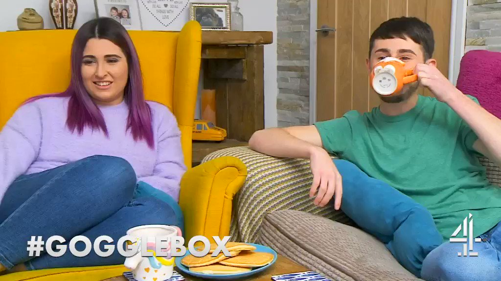 Never drink tea when laughing @Petesandiford #Gogglebox
